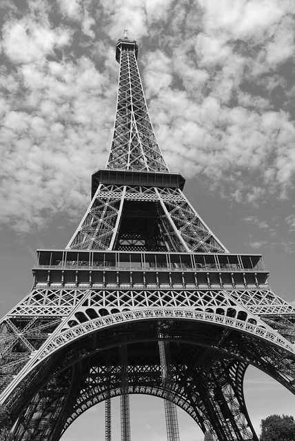 eiffel-tower-274200_640