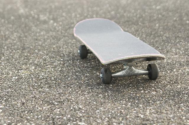 skateboarding-819268_640