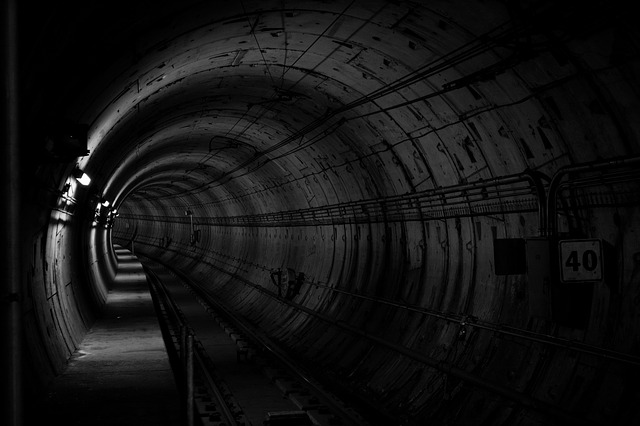 tunnel-690513_640