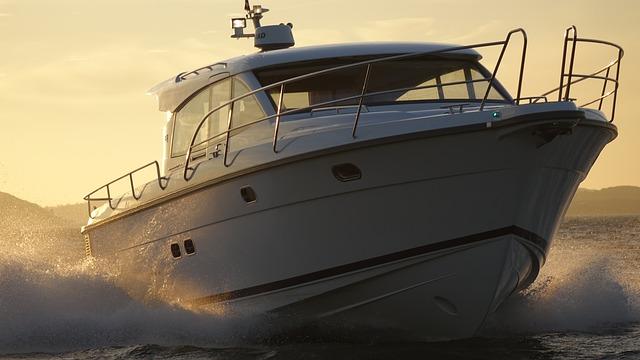 motor-yacht-634925_640