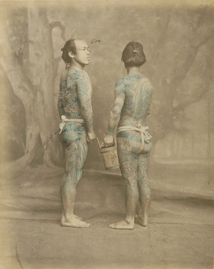 Beato,_Felice_(1834_–_1907)_-_Tattooed_japanese_men_-_ca._1870